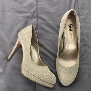 Women's Gold heel